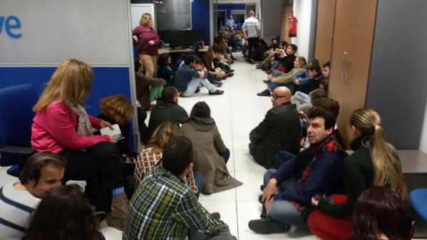 TVE Staff make a sit-in in front of the chef offices