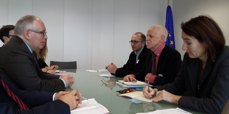 The EFJ delegation (on the right) including General Secretary Ricardo Gutierrez, President Mogens Blicher Bjerrregård, Director Renate Schroeder met with the European Commission First Vice-President Frans Timmermans and his cabinet. © EFJ